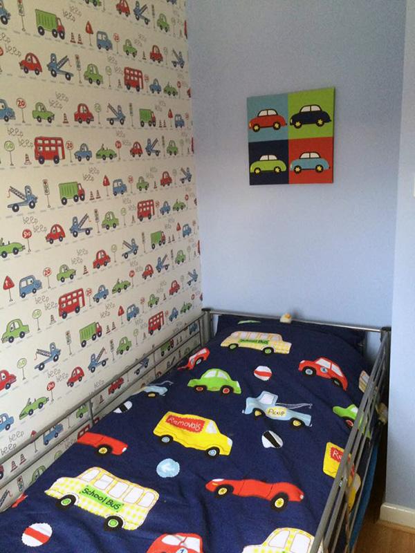 Bedroom Interior Painting & Wallpapering